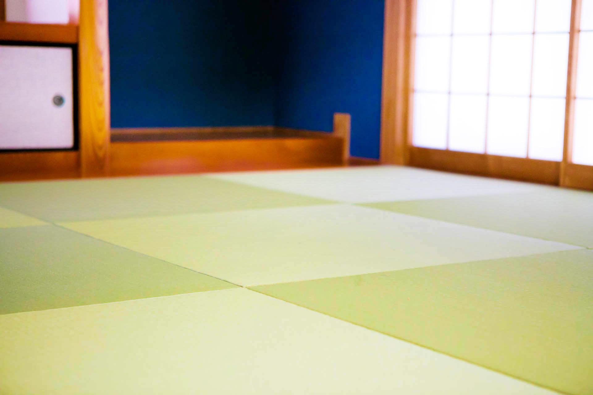 若草色の琉球畳で雰囲気を演出